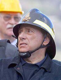 Berlusconi_pompiere