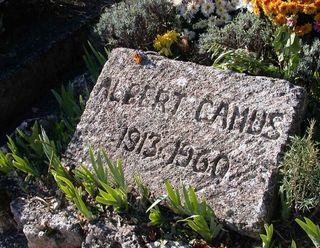 Camus-tomba