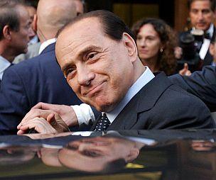 Berlusconi_allo_specchio