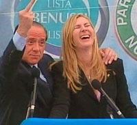 Berlusconi-biancofiore-dito