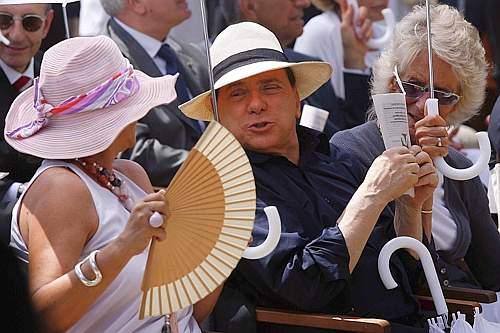 Berlusconi-al-cafone3