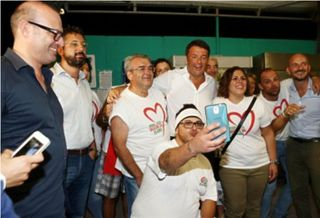 Renzi-selfie-made-man