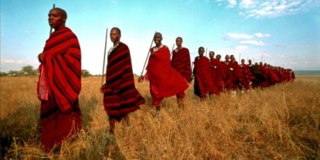 Masai-in-marcia