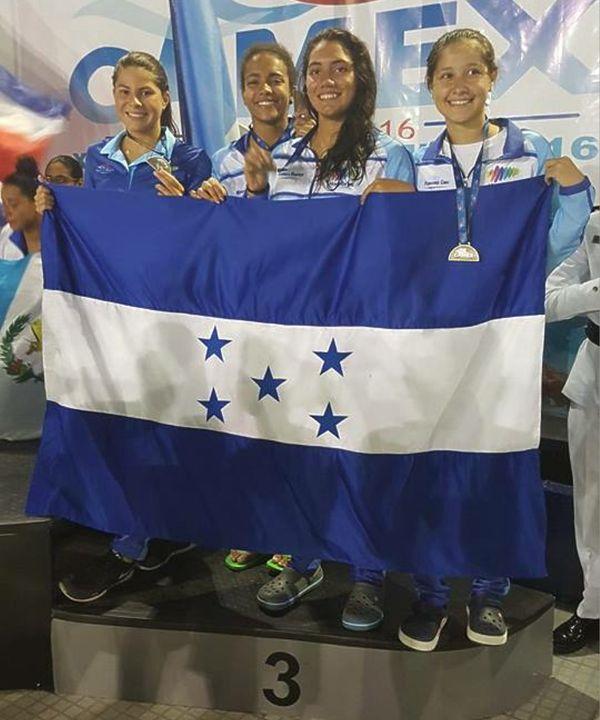 Panama-2016-bronzo-4xs100-misti