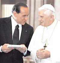 Berlusconi_ratzinger
